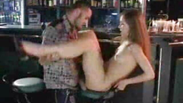 Bandas Pornstar Magdi vídeo pornô gozando gostoso em spandex transparente