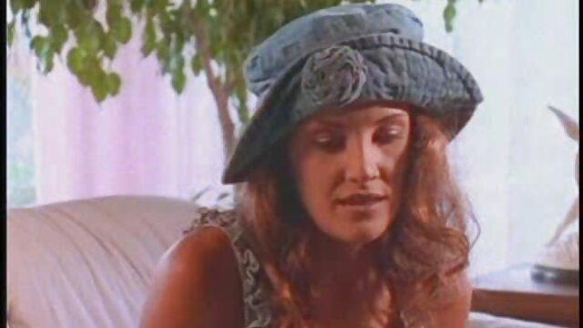 A bela Lady Samita Faye faz com que a sua rata seja fodida com vídeo pornô das loiras gostosas força.