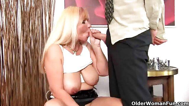 Roccosiffredi, gótica louca, Charlotte, sexo anal a três com o vídeo pornô de mulher de bunda grande COUGAR