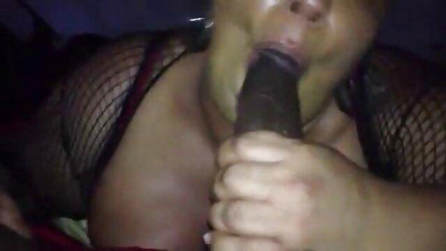 A vampira russa Stacey Snake fodeu até vídeo pornô só das brasileiras um orgasmo explosivo.
