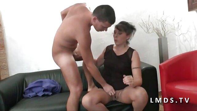 Secretário porco na mesa vídeo pornô de mulher da bunda grande