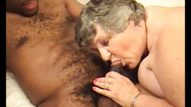 Uma rapariga grávida chupou gostosa fazendo vídeo pornô e deu uma Tareia ao marido de uma amiga.