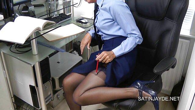 Linda rapariga fodida por um novinhas no porno brasileiro caralho gordo