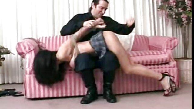 Rapariga russa na cama com o ginecologista video porno brasileirinhas gostosas na recepção.