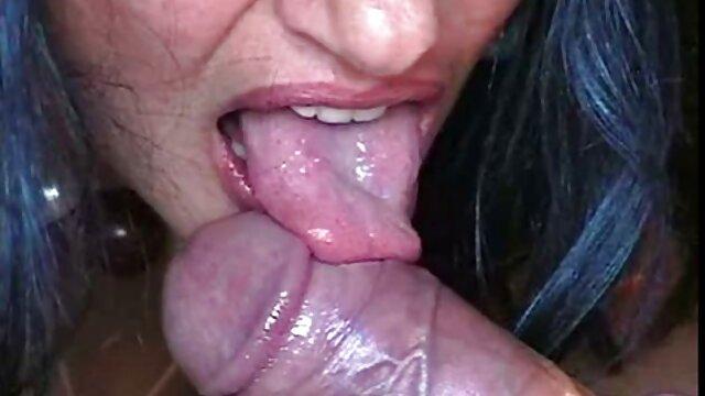 O secretário esmaga apaixonadamente vídeo pornô as gostosas o chefe ASU Akira na mesa anal