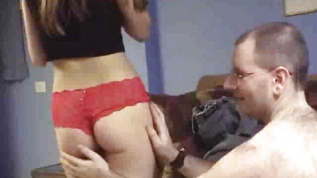 O pornor gostozo tipo russo acordou amante para fazer sexo oral e foder com o Crimp