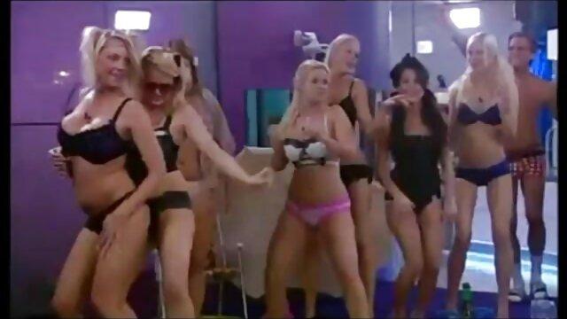 Selma ao lado de krimpay mulher mais gostosa no porno em vídeo Amador