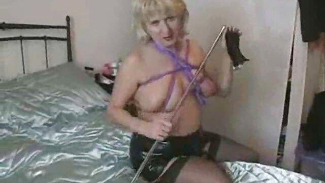 Um casal adorável mulheres mais gostosas do porno caseiro em frente à webcam.