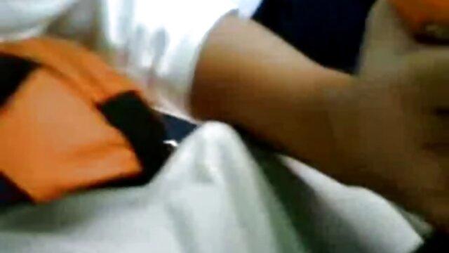 Milf ruiva de Taganrog fodida pela virgem russa em videos pornos de bucetas grandes preservativo