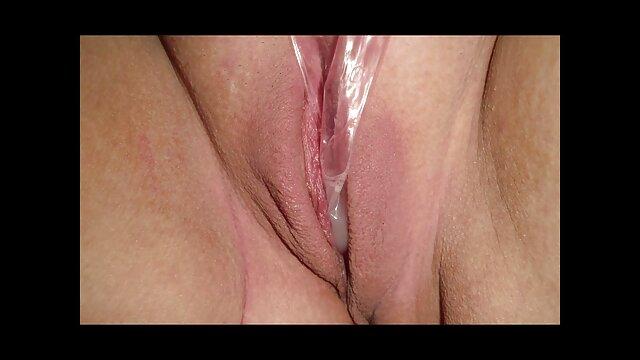Masturbação Pública Em vídeo pornô brasileiro mulheres gostosas Itália