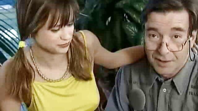 Rika Anna pratica transando vídeo pornô sexo com um dos seus professores-mais sobre javhd.net