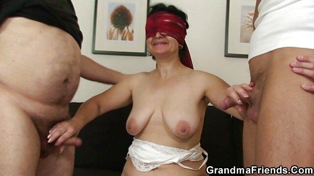 Riley Reid monta uma pila gorda e esguicha-se de porno de mulheres da bunda grande um tónico testicular.