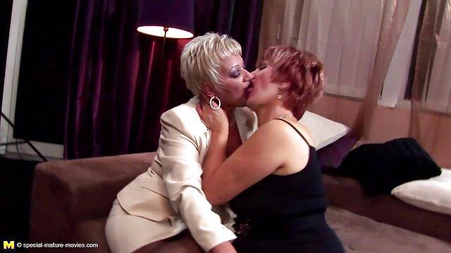 Corno russo de vestido lambe a mulher rata depois de foder com o seu x vídeos pornô gostosa amante